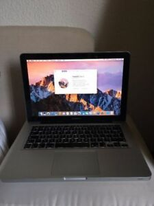 Macbook Pro 13 2.4 Ghz 4GB 200GB SSD Drive Photoshop, Office,