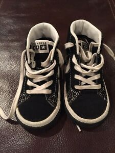 One star converse high tops with laces - size 6 Kitchener / Waterloo Kitchener Area image 1