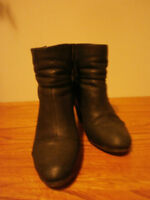 Black ankle boots Vince Camuto