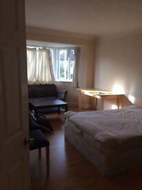 Double room available in Tower Hill