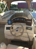 Pontoon Fabritech 25 feet - Mercury engine outboard 115hp