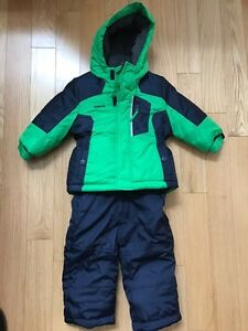 Boys Oshkosh snow suit 18mth New!