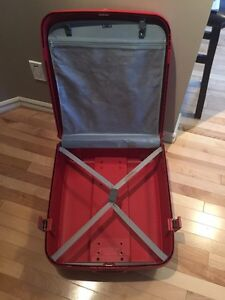 """High Quality """"Delsey Axial"""" hard case suitcase  Strathcona County Edmonton Area image 3"""