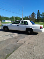 2010 Ford Crown Victoria-Works and drives good New MVI!