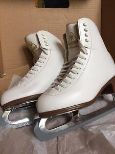 Jackson Mystique size 6C Ladies Figure Skates