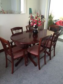 Dining table x6 Chairs (Extendable)