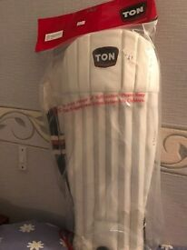 TON Wicket keeping pads