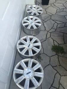 """4 Mags 17"""" 5x114.3 Lincoln Mkx Ford Edge  Saint-Hyacinthe Québec image 1"""