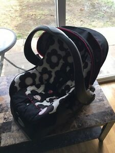 Evenflo Bucket Car Seat