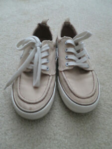 Boys size 1 shoes Stratford Kitchener Area image 2