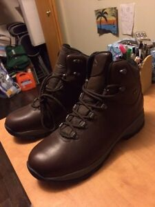 Wind river Brand new waterproof boots size 14