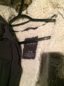 Selling women's size medium winter jacket  Sarnia Sarnia Area image 2