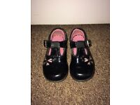 Clarks shoes- girls, size 6G