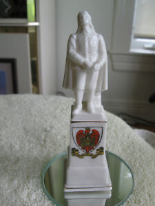 VINTAGE WILLOW ART FIGURINE..[STAMPED]..ANCIENT ARMS of BEDFORD