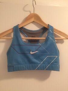 Vêtements sport Nike, Adidas, Oakley etc..