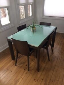 Dark espresso wood expandable dining table London Ontario image 1