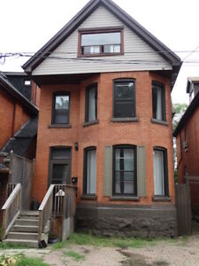 BEAUTIFUL  LARGE OPEN CONCEPT 2 BEDROOM APARTMENT GRANT ST