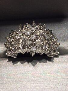 1 ct tw 10k white gold fireworks cluster ring (round diamonds)