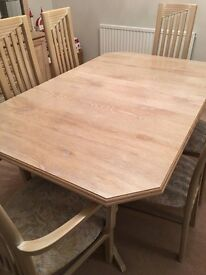 Table (extendable) and 6 chairs in limed oak