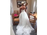 Gorgeous wedding dress size 12