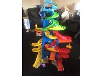 LITTLE PEOPLE CAR TOWER WITH 1 CAR - PERFECT CONDITION