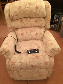 HSL Waltham Petite Dual Rise and Recline