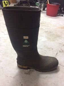 Baffin rubber boots size 10.5