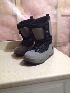 Men's Snowboard boots size 6 Kitchener / Waterloo Kitchener Area image 3