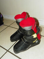 Ski Boots Head - youth size 5.5 to 6 - easy rear entry