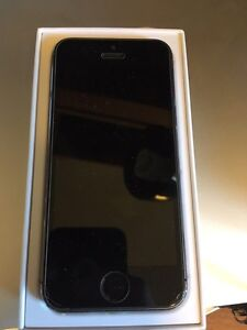 iPhone 5s - Locked to Rogers