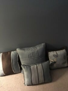 Decorative pillows  Sarnia Sarnia Area image 1