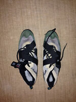 Cycling Shoes with clip ins - size 13.5-14 (US)