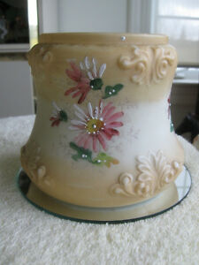 ELEGANT OLD-FASHIONED VINTAGE OPEN CHINA BISCUIT JAR