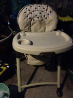 Graco High chair Folds Flat Amazing condition