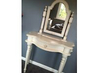 White shabby chic dressing table(including mirror) -FOR SALE