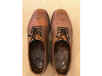 loake Men's brown brogues Size 8 (used)