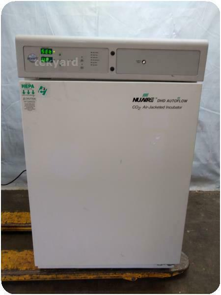 NUAIRE AIR-JACKETED AUTOMATIC CO2 INCUBATOR ! (225776)