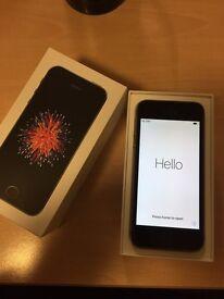IPhone SE 16GB UNLOCKED like new