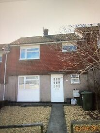 Kingswood(all bills included)lovely double room in house share
