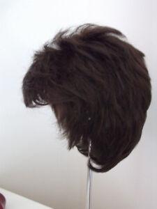 perruque brune foncée