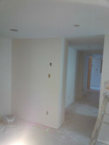 PAINTER  EXPERIENCED  - & -  LICENSED PAINTER PROFESSIONAL North Shore Greater Vancouver Area image 8