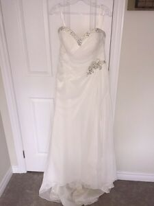 Women's ivory beach wedding dress size 14