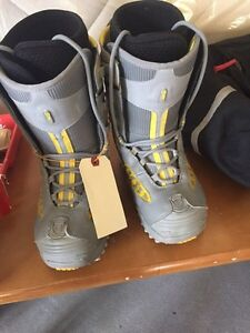 Snow board boots womens