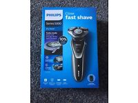 Perfect Christmas Gift: Philips S5320/06 Series 5000 Electric Shaver