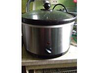 Slow cooker, hand blender, toastie machine