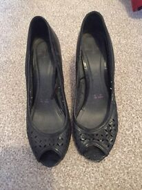 Jasper conran Debenhams black leather peep toe sz5