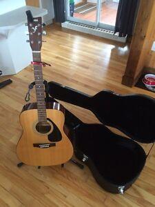Guitare Yamaha avec case, accordeur, capot et pied!