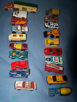 Lot de 20 petites machines MATCHBOX.