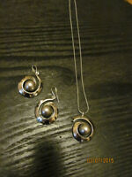 LOVELY GREY PEARL/RHODIUM PLATED EARING NECKLACE SET