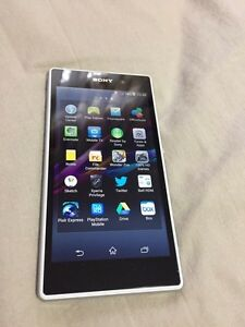 White Bell Sony Xperia Z1 C6906 16gb  Kitchener / Waterloo Kitchener Area image 3
